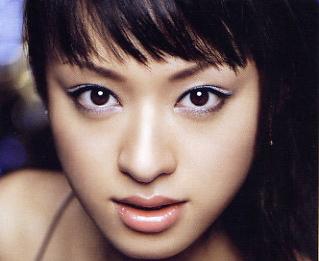 2006年栗山千明のマキアージュ画像.png