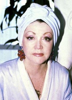 60歳シルヴェスタースタローン母の整形画像.png