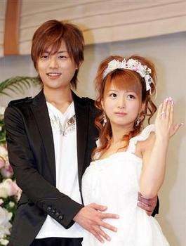 2007年20歳辻希美と杉浦太陽の会見画像.png