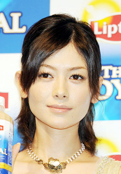 2008年の真木よう子の整形画像.png