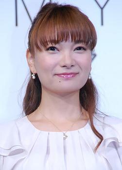 2014年の保田圭の画像.png