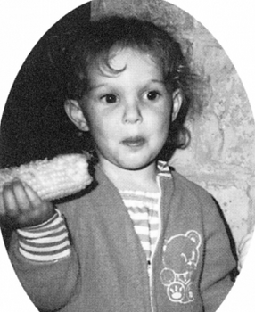 ナタリーポートマンの子供時代の整形画像.png