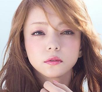 安室ちゃんの唇メイク術.png