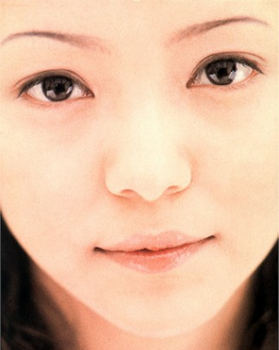 安室奈美恵のメイク方法1998年の画像.png