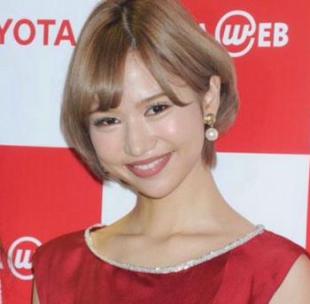 水沢アリーの整形赤いドレス画像.png