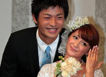 矢口真里結婚の画像.png